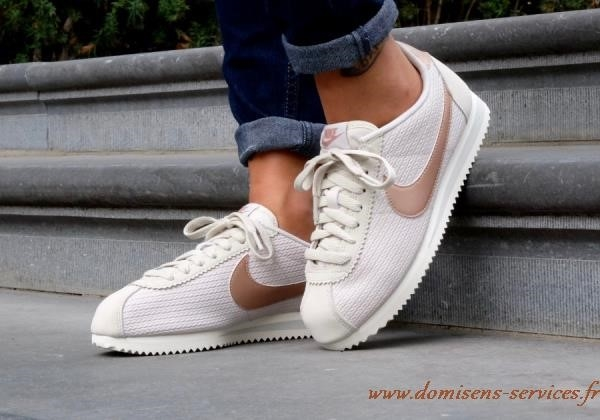 Soldes > chaussure nike cortez femme > en stock